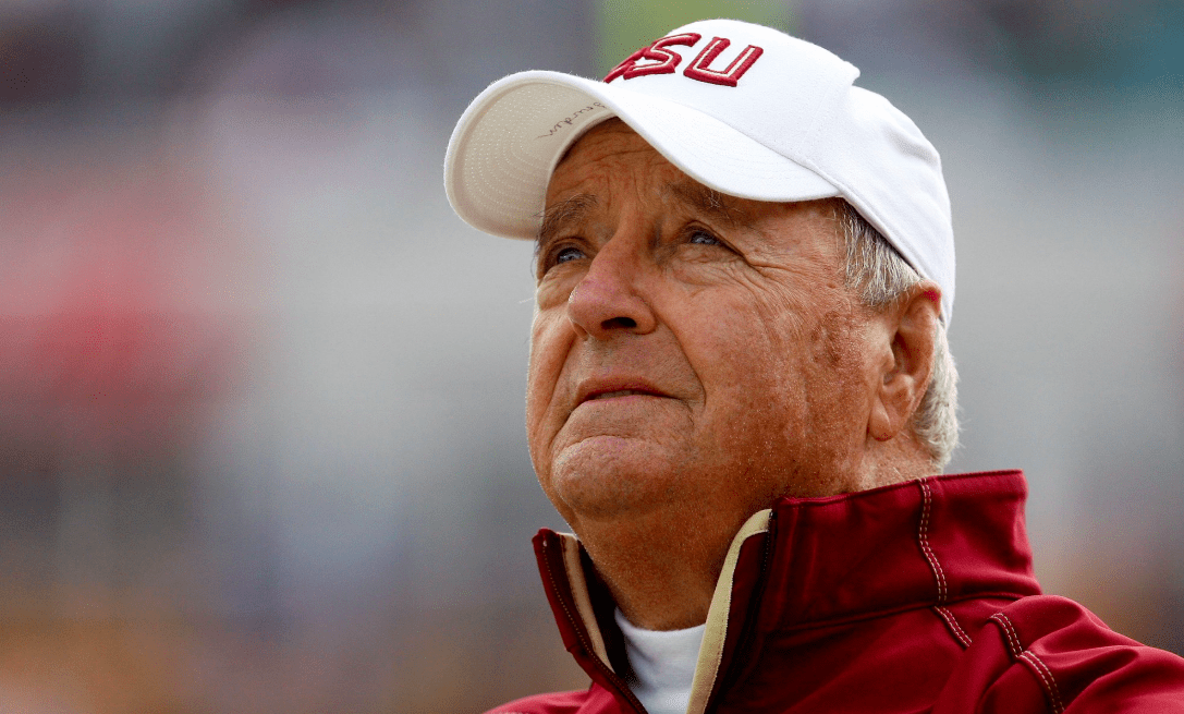 Bobby Bowden defends coach fired for praying: 'I'm proud